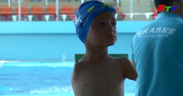 Ismail - Julfic - Kiện tướng bơi lội nhí khuyết tật ở Bosnia