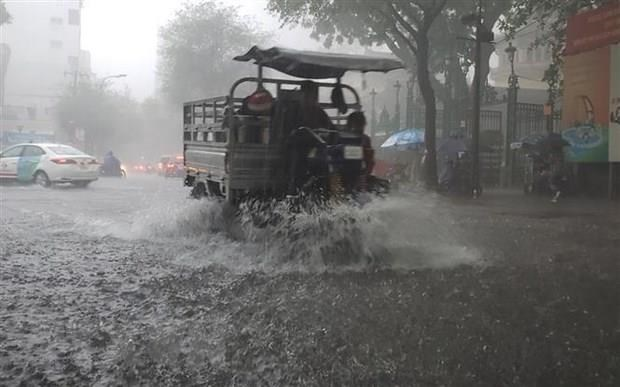 Bắc Bộ mưa lớn diện rộng, cảnh báo lốc, sét, mưa đá và gió giật mạnh