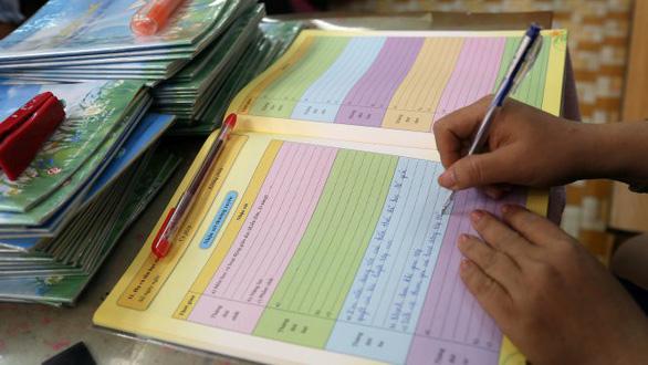 Bộ Giáo dục và Đào tạo sẽ bỏ học bạ và sổ điểm giấy