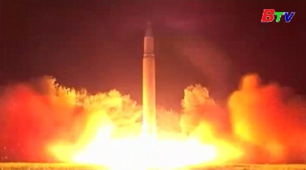 Triều Tiên phóng thử tên lửa đạn đạo