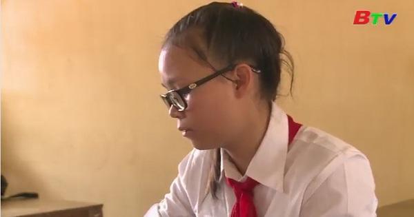 Thắp sáng ước mơ xanh - Hoàn cảnh em Ngô Thị Thu Trang, lớp 8A2, trường THCS Bù Gia Mập, huyện Bù Gia Mập, Bình Phước