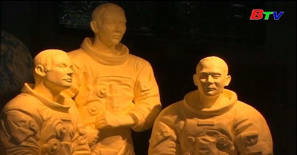 Những tác phẩm điêu khắc bằng bơ kỷ niệm sức mạnh  Apollo 11