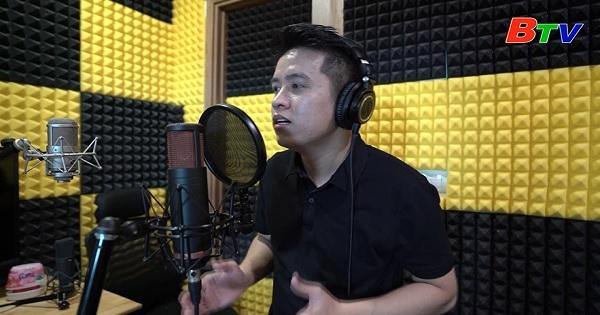 Làng nghệ sĩ - Ca sĩ Mai Trần Lâm, nghị lực vượt khó