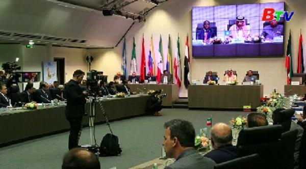 OPEC nhất trí kèo dài thỏa thuận cắt giảm sản lượng dầu