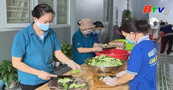 Phụ nữ Bình Dương tích cực tham gia phòng chống dịch