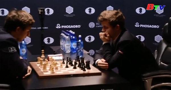 Magnus Carlsen vô địch cờ vua thế giới lần 3 liên tiếp