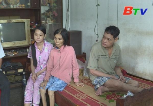 San Sẻ Yêu Thương - Hoàn cảnh chú Sơn, cô Lan (213 ấp Bình Hoà, xã An Bình, Phú Giáo, Bình Dương)