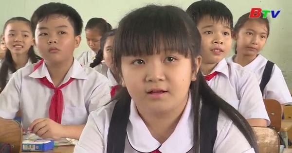 Khánh Linh - Bông hoa học tốt