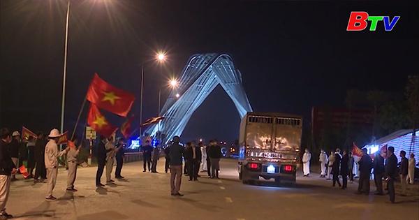 Người dân Thành phố Chí Linh, Hải Dương hát mừng khi được gỡ bỏ phong tỏa