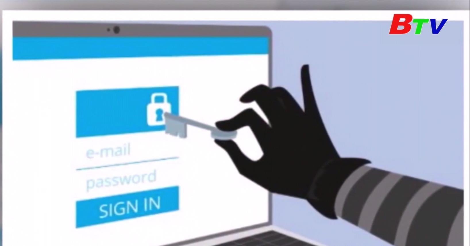 """Cảnh giác với thủ đoạn """"hack"""" tài khoản ngân hàng trong chớp mắt"""