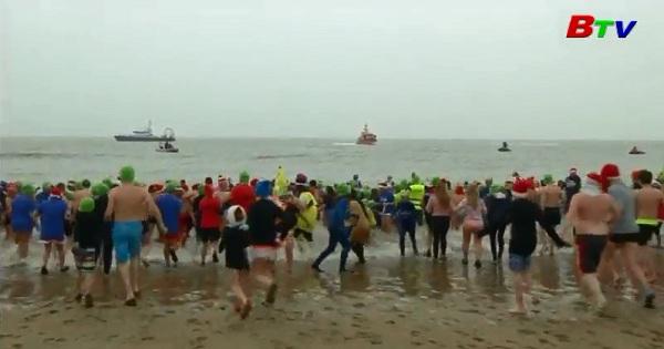 1500 năm người lao xuống biển Bắc chào đón năm mới 2007