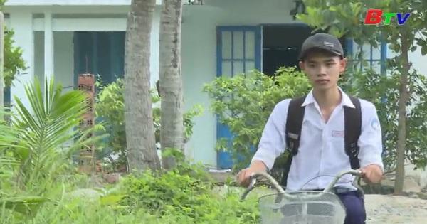 Thắp sáng ước mơ xanh - Em Nguyễn Minh Phước, lớp 12A6,Trường THPT Trung Phú, H.Củ Chi, Tp.HCM