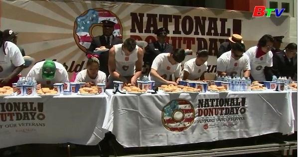Cuộc thi ăn bánh Donut ở Bắc Mỹ