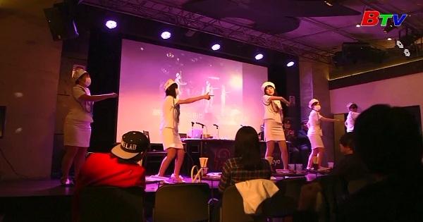 Nổi tiếng nhờ lấy cảm hứng từ nhóm nhạc Triều Tiên Moranbong