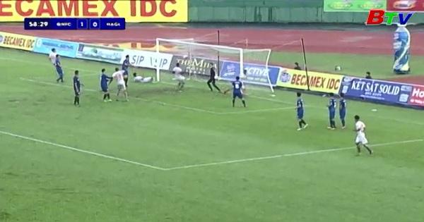 Giải bóng đá quốc tế THBD Cúp Number 1 lần thứ XVIII trước trận tranh hạng 3 : Quảng Nam- Hoàng Anh Gia Lai