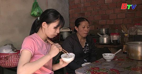Thắp sáng ước mơ xanh - Em Nguyễn Thị An Na, lớp 12A7, trường THPT Pruh , huyện Đơn Dương, tỉnh Lâm Đồng