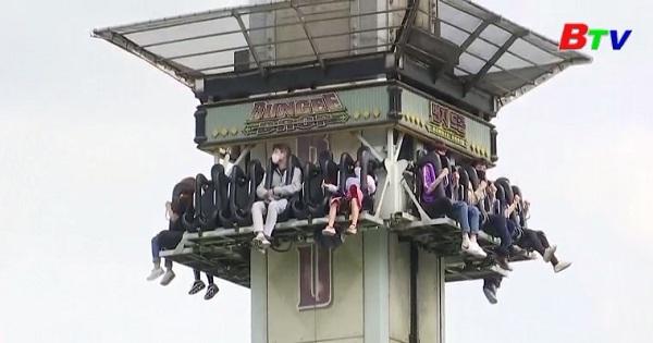 Người dân Hàn Quốc đổ về các khu vui chơi giải trí sau khi nới lỏng giãn cách xã hội