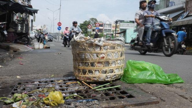 Bảo vệ môi trường - Hãy thay đổi thói quen vứt rác