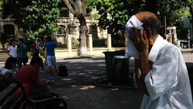 Hà Nội trong ngày nắng nóng thứ 5