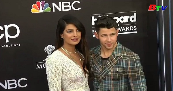 Cặp đôi Priyanka Chopra  và Nick Jonas dẫn đầu top sao  mặc đẹp nhất năm 2019  của năm 2019  của Tạp chí  People, Mỹ