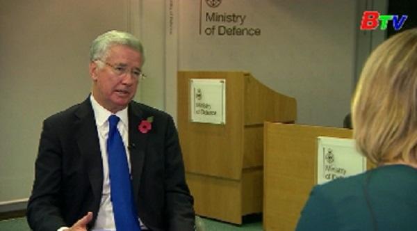 Bộ trưởng Quốc phòng Anh từ chức