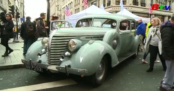 Anh thu hút 400.000 khách tham quan triển lãm ô tô cỗ phố  Regent