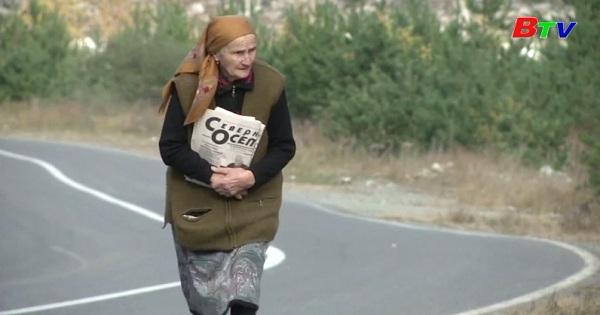 Cụ bà 83 tuổi vẫn làm bưu tá ở Nga