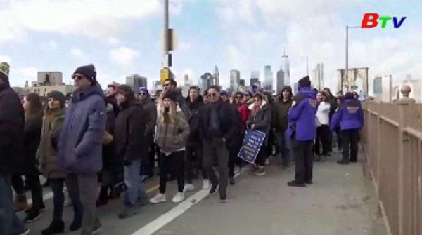 Tuần hành tại New York bày tỏ tình đoàn kết với cộng đồng người Do Thái
