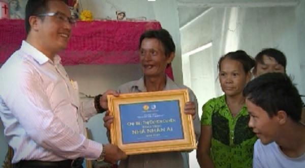 San Sẻ Yêu Thương - Lễ bàn giao 5 nhà nhân ái tại TP.TDM và Phú Giáo