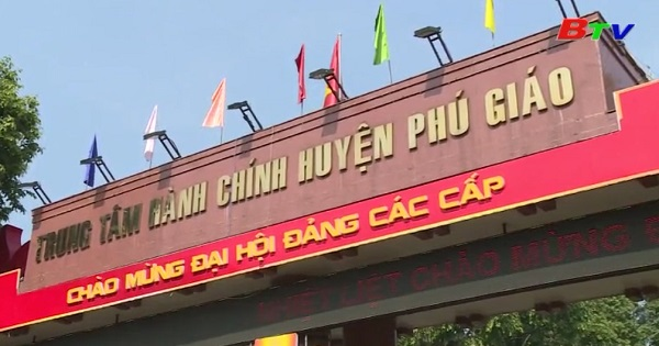 Nhân dân Phú Giáo quan tâm đến Đại hội Đảng các cấp cơ sở của Huyện
