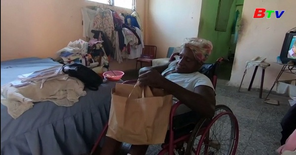 Bữa ăn miễn phí cho người già trong đại dịch covid-19 tại Cuba