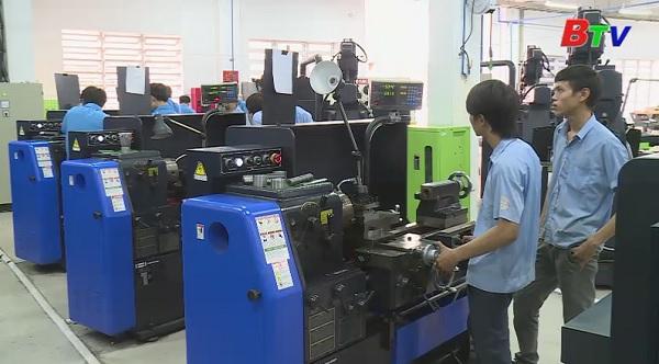 Nghành cơ khí Trường Cao đẳng Việt Nam - Hàn Quốc Bình Dương