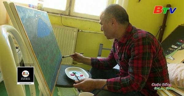 Liệu pháp nghệ thuật của họa sĩ lưu vong Murad Sharifi