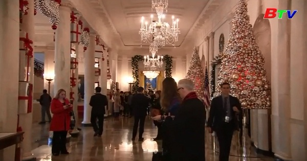 Gia đình tổng thống Obama trang trí cho mùa giáng sinh cuối cùng ở Nhà Trắng