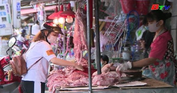 Bến Cát kiểm soát chặt chẽ các chợ dân sinh phòng chống dịch COVID-19