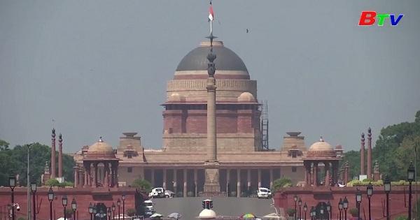 Ấn Độ - Bầu trời trong xanh trở lại ở New  Delhi
