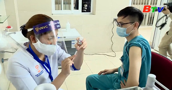 10 nhóm được tiêm vắc xin COVID-19 miễn phí