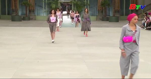 Chanel lần đầu tiên giới thiệu bộ sưu tập của Virginie Viard
