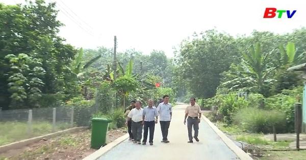 Người cán bộ ấp có nhiều đóng góp trong xây dựng nông thôn mới