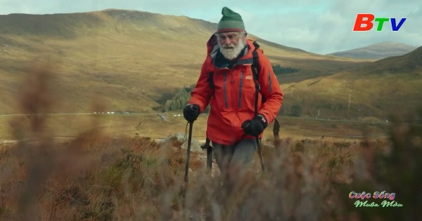 81 tuổi vẫn leo núi