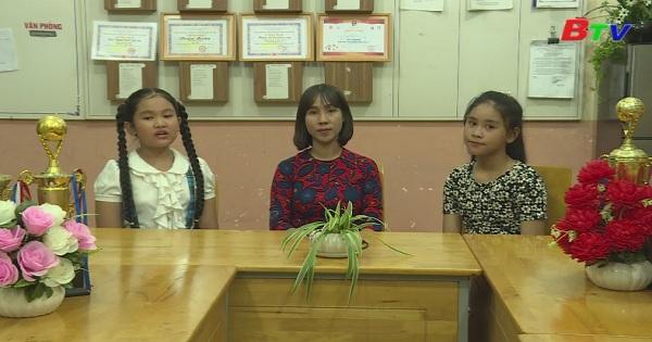 Giao lưu với cô Song Hà (Trường PTTH Phú Cường)