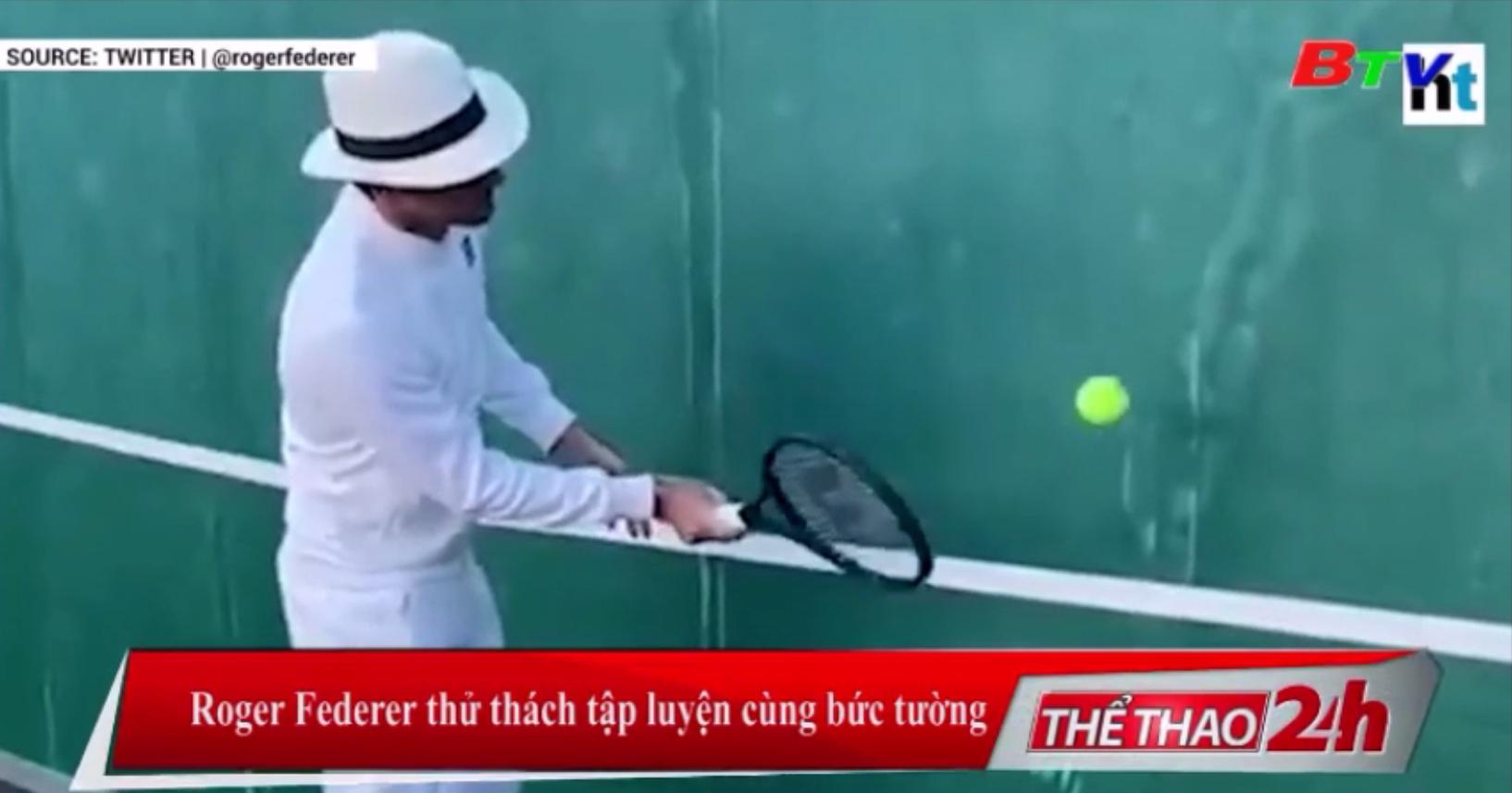 Roger Federer thử thách tập luyện cùng bức tường