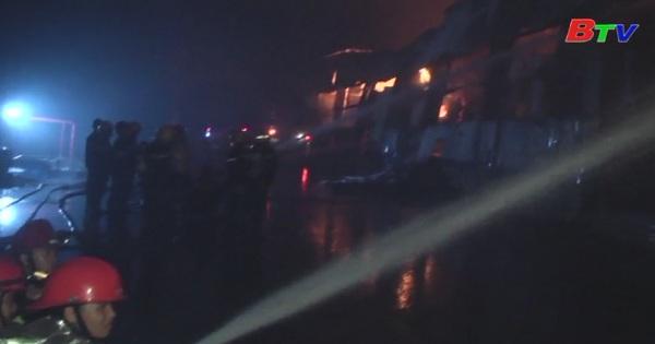 Cháy lớn tại Khu công nghiệp Vĩnh Lộc, Tp.Hồ Chí Minh
