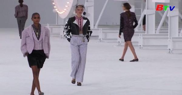 Tuần lễ thời trang Paris - Hãng Chanel gợi nhớ đến ngọn đồi  Hollywood