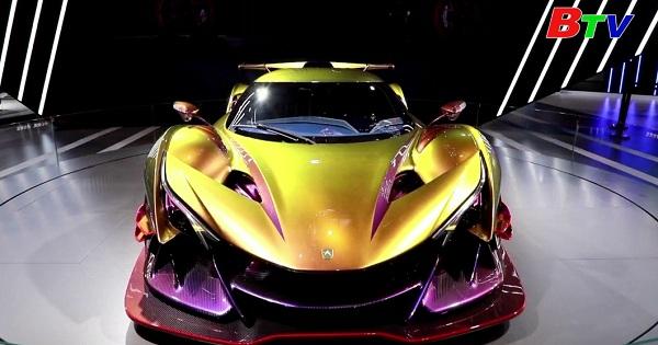 Ngắm siêu xe tại hội chợ nhập khẩu quốc tế Trung Quốc lần thứ 3