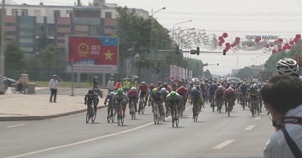 Giải Đua xe đạp THBD Mở Rộng cúp Becamex IDC lần IV/2017 - Hấp dẫn chặng đua áp chót