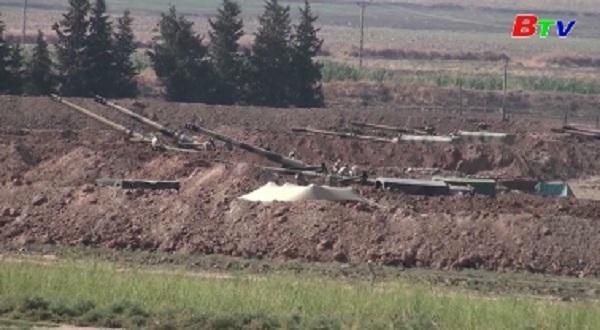 Quân đội Thổ Nhĩ Kỳ tiến quân vào Syria
