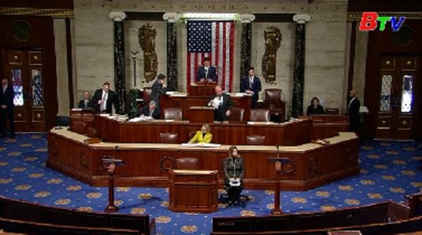 Mỹ thông qua dự luật chi tiêu ngắn hạn