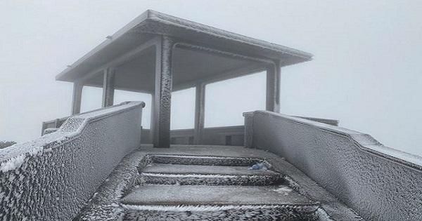 Băng tuyết Mẫu Sơn thu hút khách du lịch
