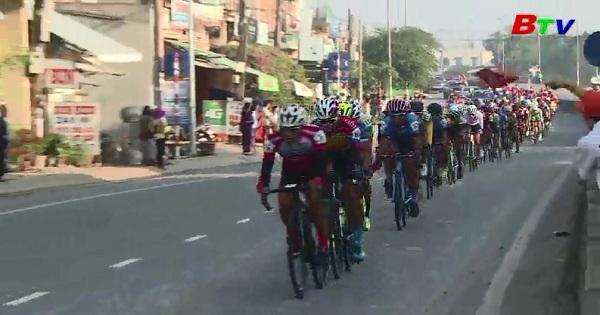 Xuất phát chặng 13 - Cuộc đua xe đạp toàn quốc tranh Cúp TH Tp.HCM lần thứ 30 năm 2018